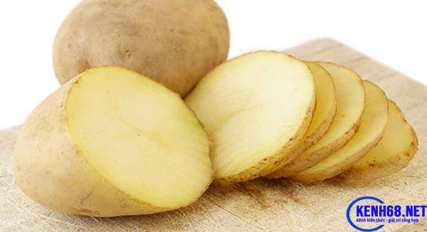 cách hạ sốt cho người lớn bằng khoai tây