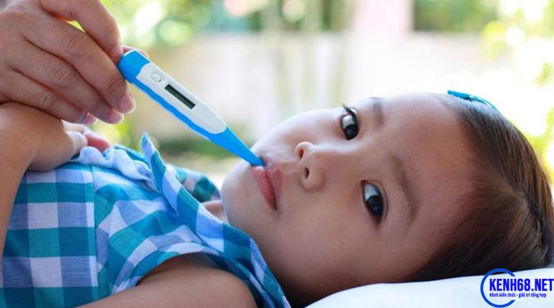 hạ sốt cho trẻ bằng phương pháp dân gian