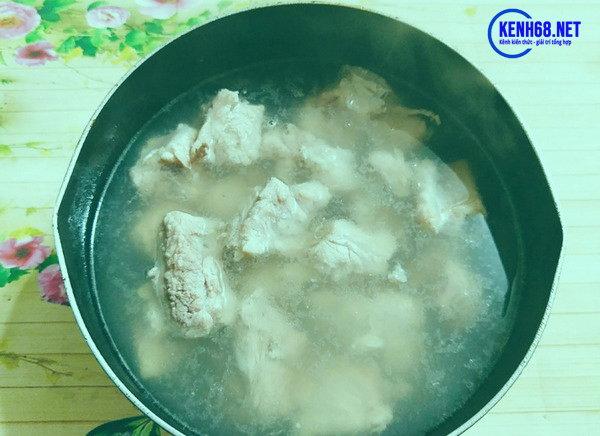 Cách làm sườn xào chua ngọt ngon 02