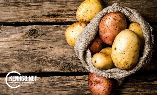 cách trị mụn đầu đen bằng khoai tây