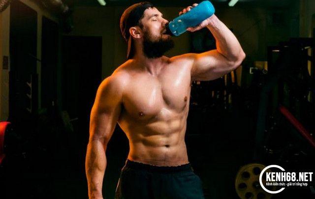 chế độ ăn cho người tập gym - bổ sung nhiều nước hơn mỗi ngày