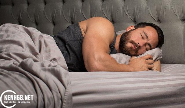 chế độ ăn cho người tập gym - ăn nhẹ trước khi ngủ