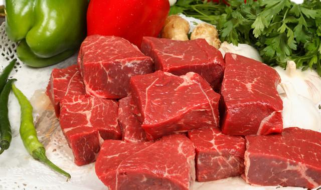 Phụ nữ sau sinh nên ăn gì - thịt bò nạc