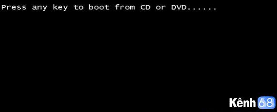 Sau khi vào được BIOS bạn thiết lập quyền khởi động ưu tiên cho USB và tiến hành khởi động lại máy tính 1 lần nữa. 02