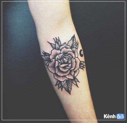 Hình xăm hoa hồng ở tay, bắp tay, bàn tay, cánh tay đẹp 002