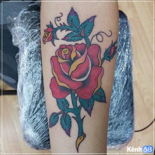 Hình xăm hoa hồng ở tay, bắp tay, bàn tay, cánh tay đẹp 005