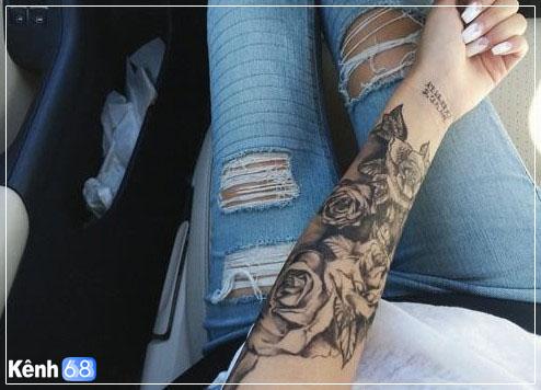 Hình xăm hoa hồng ở tay, bắp tay, bàn tay, cánh tay đẹp 012