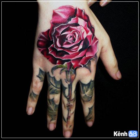 Hình xăm hoa hồng ở tay, bắp tay, bàn tay, cánh tay đẹp 013